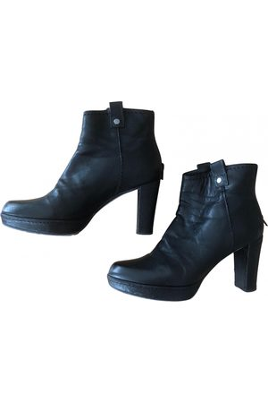 Stuart Weitzman Women Ankle Boots - \N Leather Ankle boots for Women