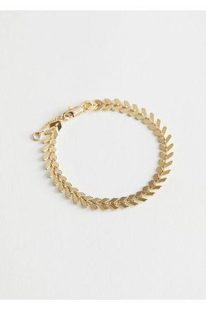 & OTHER STORIES Arrow Chain Pendant Bracelet