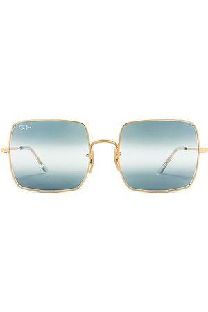 Ray-Ban Square in .