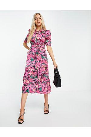 HOPE & IVY Women Printed Dresses - Puff sleeve midi dress in bright fuchsia floral print