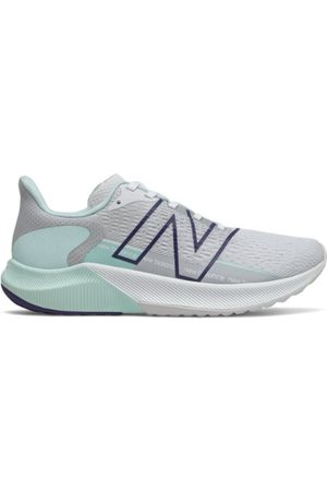 New Balance Women's FuelCell Propel v2