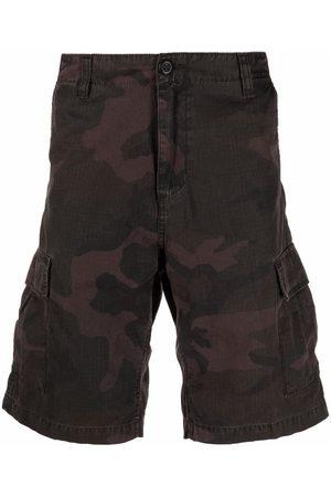 Carhartt Men Bermudas - Camouflage-print cargo shorts
