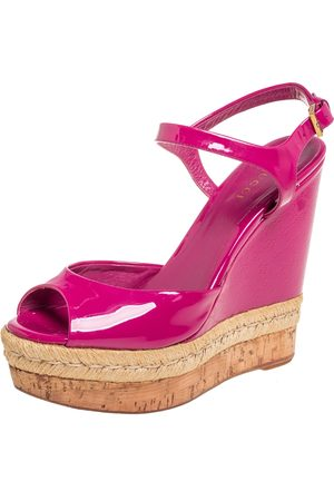Gucci Patent Leather Hollie Wedge Sandals Size 37.5