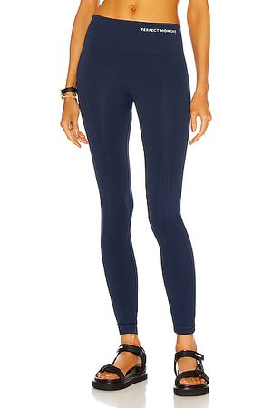 Perfect Moment Intarsia High Waisted Legging in Navy