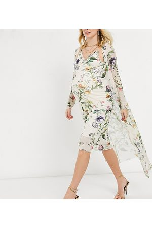 Hope & Ivy Maternity 90s slip dress and duster set in soft sage floral
