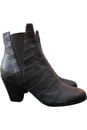 GARETH PUGH Leather Boots