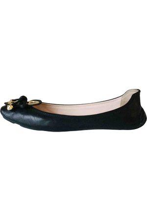 ELIE TAHARI Leather Flats