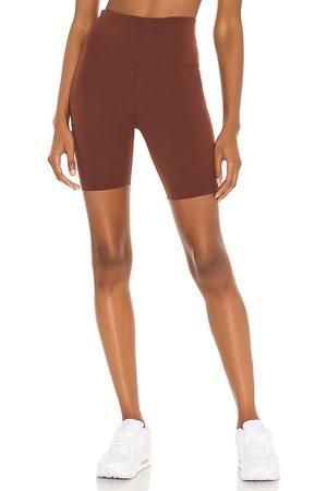 Nike Yoga Luxe 7 Short in Cognac.