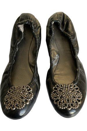 ELIE TAHARI Leather Ballet Flats