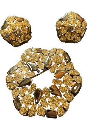 TRIFARI Metal Jewellery Sets