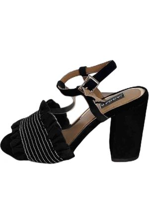 JAGGAR Leather Heels