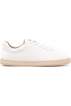 12 STOREEZ Low-top lace-up trainers