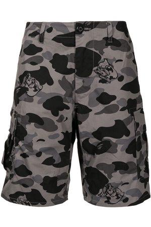 A Bathing Ape Men Shorts - Camouflage-print cargo shorts