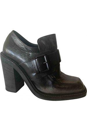 vic matiè Leather heels