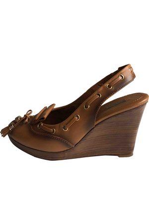 UTERQUE Leather Mules & Clogs