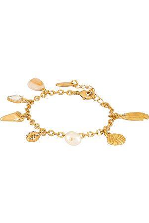 Ettika Shell Charm Bracelet in Metallic .