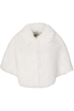 Unreal Fur Nord Cape in Ivory