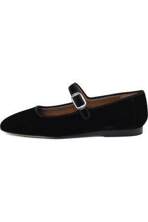 Le Monde Beryl Women Flat Shoes - Black Flats