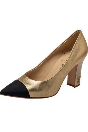 CHANEL Two Tone Canvas and Leather Cap Toe Block Heel Pumps Size 39