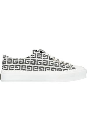 Givenchy Monogrammed low top sneakers