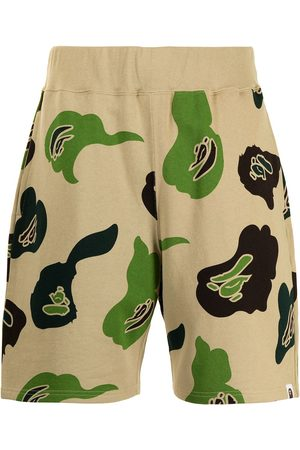A Bathing Ape Men Sports Shorts - Camouflage-print track shorts