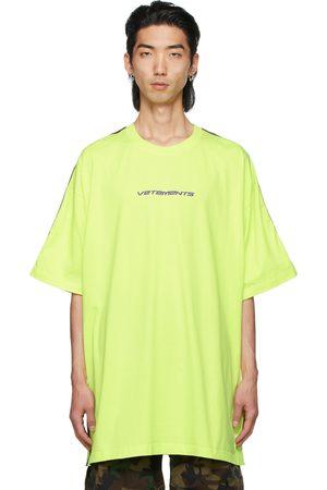 Vetements Men T-shirts - Yellow Logo Tape T-Shirt