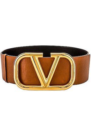 VALENTINO GARAVANI V Logo Buckle Belt in Tan