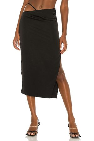 h:ours Sonnie Midi Skirt in .
