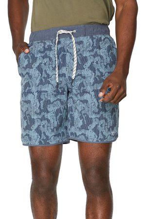 7 Diamonds Men's Core Active Abstract Camo Print Shorts