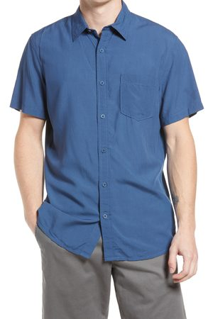 Treasure & Bond Men's Washed Short Sleeve Button-Up Shirt