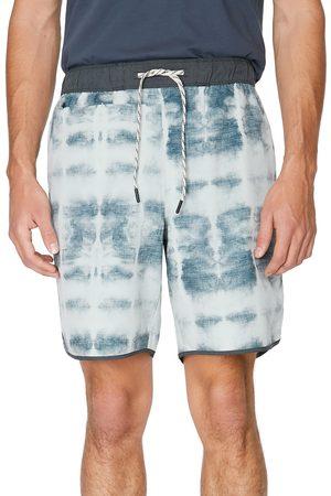 7 Diamonds Men's Core Active Stone Print Shorts