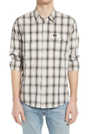 Lee Men's Relaxed Fit Plaid Button-Up Work Shirt