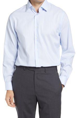 Nordstrom Men's Traditional Fit Pinstripe Non-Iron Dress Shirt
