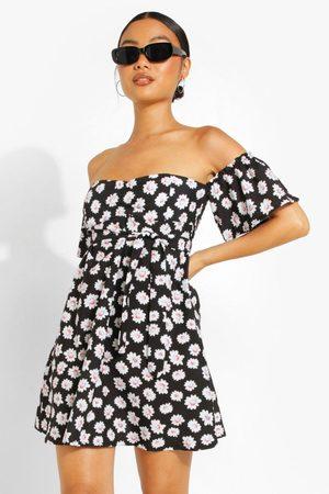 Boohoo Womens Petite Off Shoulder Daisy Print Skater Dress - - 4