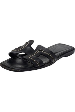 Hermès Leather Oran Stitched Flat Slide Size 35.5