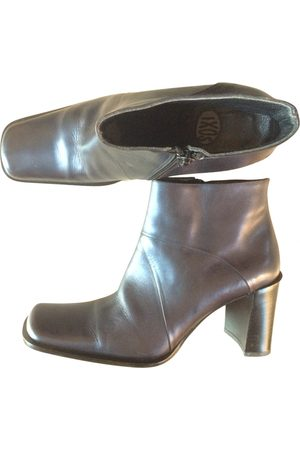 Ixos Anthracite Leather Ankle Boots