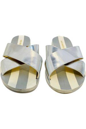 AVEC MODÉRATION Leather Sandals