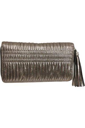 Stella & Dot Women Wallets - Metallic Leather Wallets