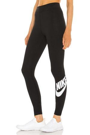 Nike Essential Futura Legging in .