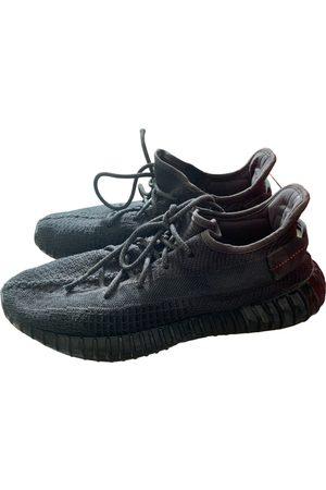 Yeezy Low trainers