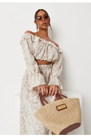 Missguided Women Crop Tops - Sand Co Ord Porcelain Print Ruffle Off Shoulder Crop Top