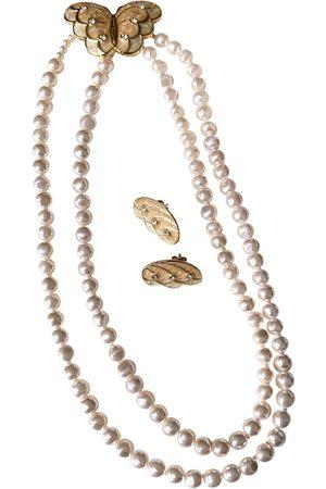 Kenneth Jay Lane Pearls Jewellery Sets