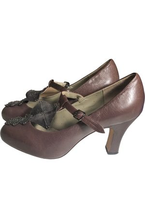 ARMAND VENTILO Leather Heels