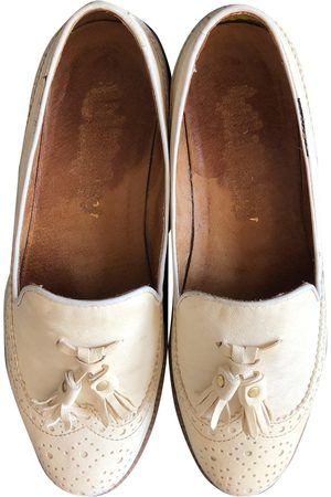 RUSSELL & BROMLEY Ecru Leather Flats