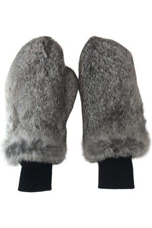 Adrienne Landau Grey Gloves