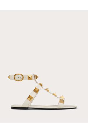 VALENTINO GARAVANI Women Sandals - Roman Stud Flat Calfskin Sandal Women Light Ivory 100% Pelle Di Vitello - Bos Taurus 38