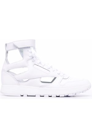 Maison Margiela X Reebok Men Sneakers - Tabi-toe lace-up high-top sneakers