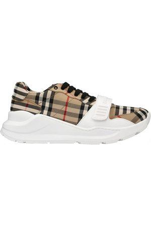 Burberry Women Sneakers - Low sneakers