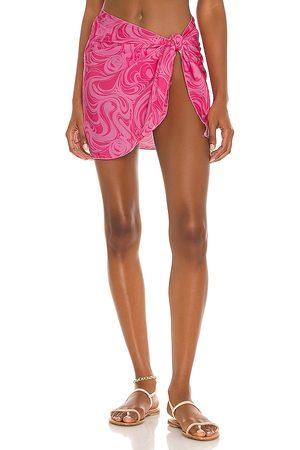 Frankies Bikinis Paraiso Sarong in Pink.