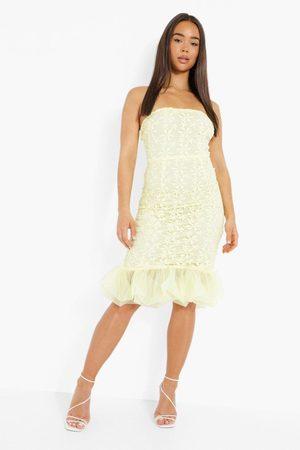 Boohoo Women Strapless Dresses - Womens Bandeau Lace Ruffle Hem Midi Dress - - 4